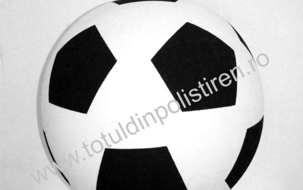 MIngie de fotbal gigant din polistiren