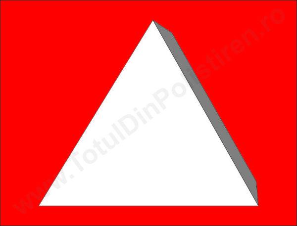 triunghi-polistiren